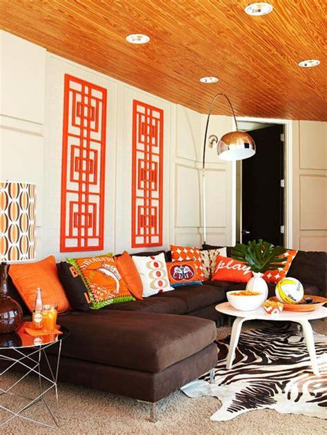 wohnzimmer dekoriert die orange farbe bedeutung wirkung und innendesign