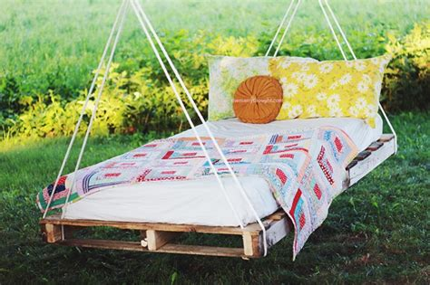 pallet swing ideas  perfect summer diy