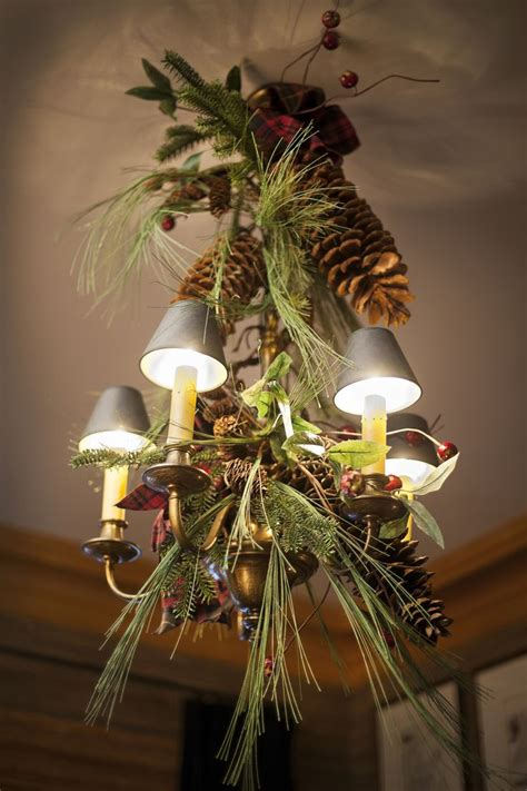 How To Decorate A Chandelier With Crystals 17 Gorgeous Chandeliers For A Yuletide Home Decor Homesthetics Inspiring Ideas For