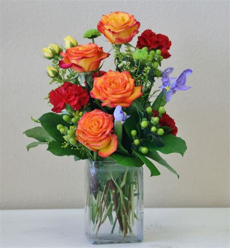 flowers in a vase best 25 flowers in a vase ideas on