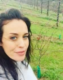 Daily Mail Digital Detox by Megan Gale 41 Enjoys Digital Detox In New Zealand