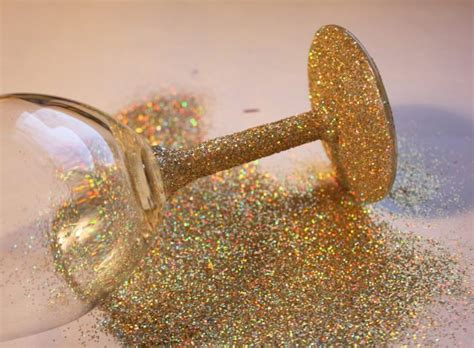 sparkly decorations 20 sparkling diy glitter decorations that will cheer up