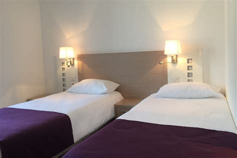 chambre lit jumeaux h 244 tel terranostra tarascon sur ari 232 ge