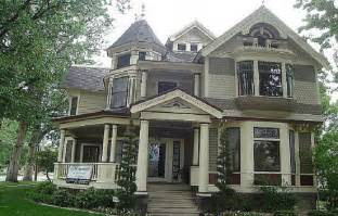 how to paint a victorian style home gothic victorian this victorian house has a spaceship in the attic technabob