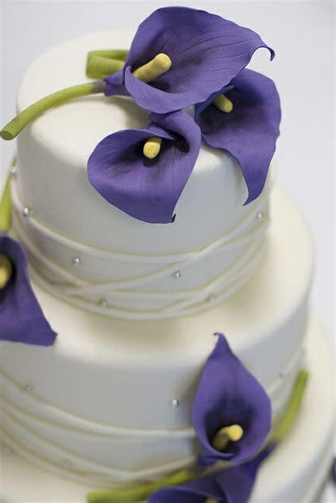 Schöne Hochzeitstorten by 35 Beispiele F 252 R Hochzeitstorte In Lila Archzine Net