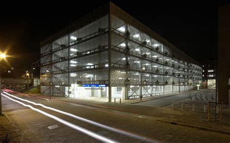 East Park Garage Northton by Galeria De Estacionamento Garagem Gnomo Mei Architecten 4
