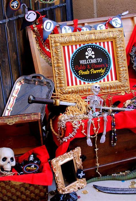 Pu Flamingo 1376 pirate birthday pirate cupcake toppers boy pirate birthday p krown kreations