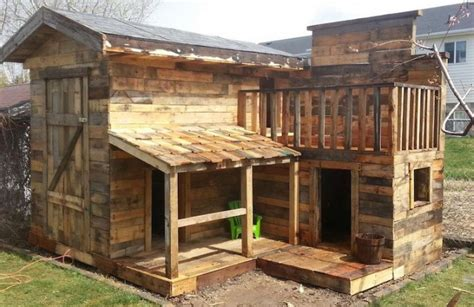 Cabin Out Of Pallets by Not Everyone Can Afford To Buy A House 20 Diy Pallet