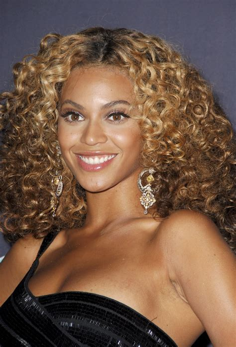 dorm room curly curly hair cuts how to talk to your beyonce tight curly hairstyles beyonce curly blonde hair
