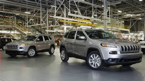 is chrysler hiring toledo jeep plant hiring 1 000 part time workers