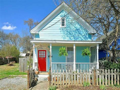 exterior beach house colors exterior house colors that sell caribbean house colors