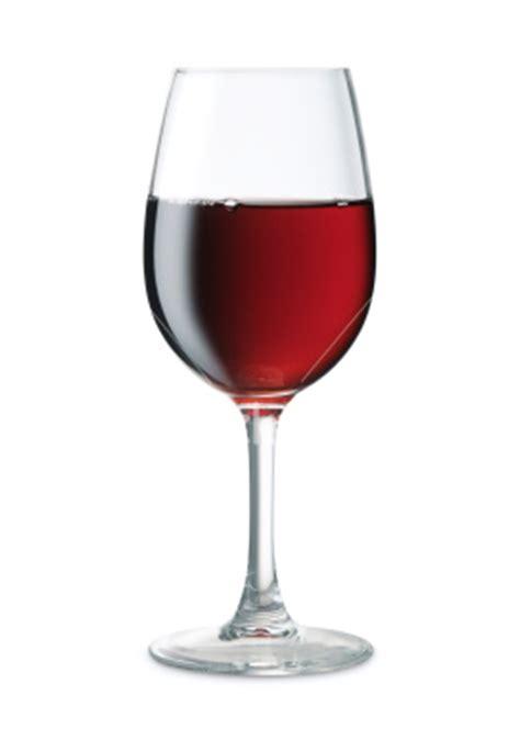 bicchieri di vino alcol salute e sport oltre i luoghi comuni