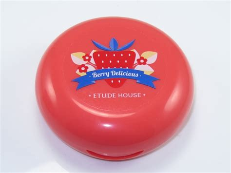 Etudehouse Berry Delicious Blusher etude house berry delicious blusher review swatches musings of a muse