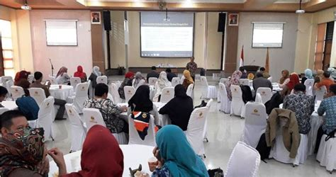 R Oto Iskandar Di Nata lpm unpas mengadakan workshop karakteristik skema dan