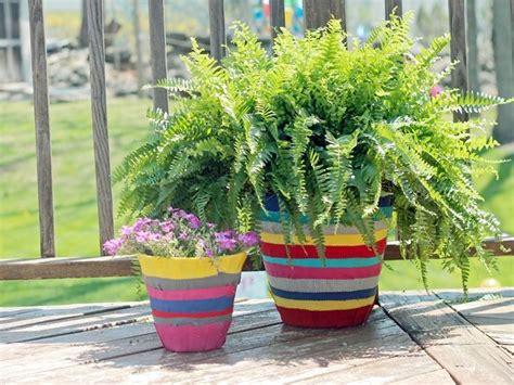 decorare vasi di plastica vasi di plastica vasi realizzare e decorare vasi di