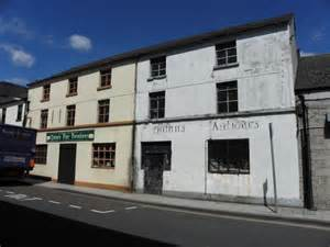 Furniture Shops In Armagh by Quinns Antiques Armagh 169 Kenneth Allen Cc By Sa 2 0