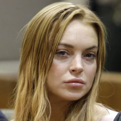 Lindsay Lohan And Away The Rehab by Hey Lindsay Lohan Here S What Really Happens In Rehab