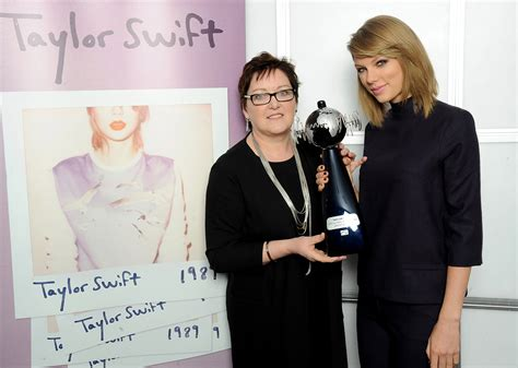 taylor swift global awards taylor swift named ifpi global recording artist of 2014