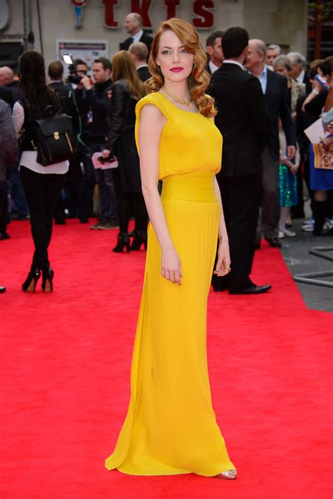 emma stone yellow versace well played emma stone in versace go fug yourself