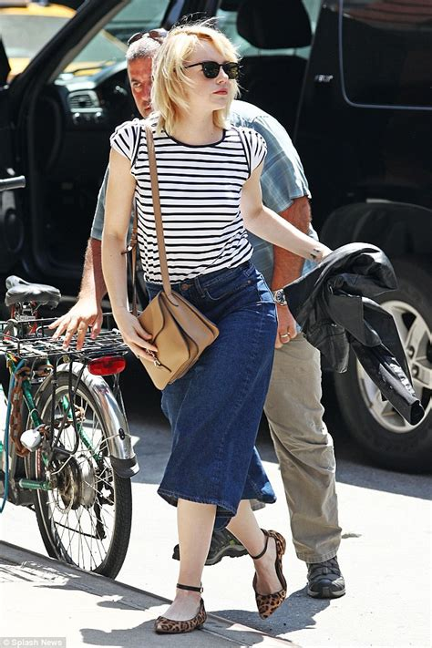 emma stone daily mail emma stone looks effortlessly chic as she dons a striped