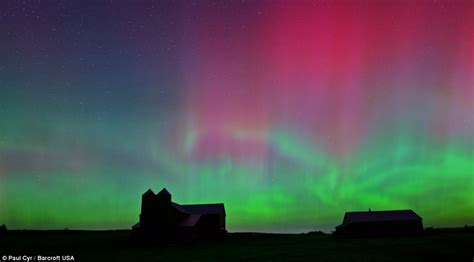 solar activity northern lights solar flare causes northern lights in us kansas maine and
