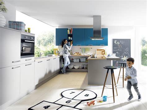 küche wohnfläche couchtisch vollholz