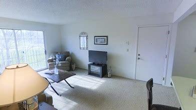 1 bedroom apartments rockford il beacon hill apartments rentals rockford il apartments com