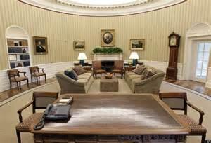 oval office wallpaper east wing obamas do sedate mocha honey makeover