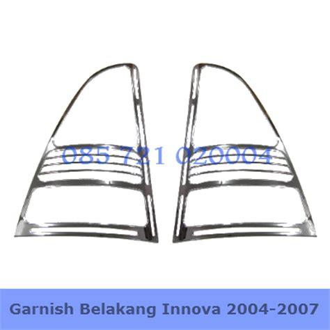 Garnis Belakang Grand New Innova 2004 2011 garnish belakang katalog aksesoris mobil
