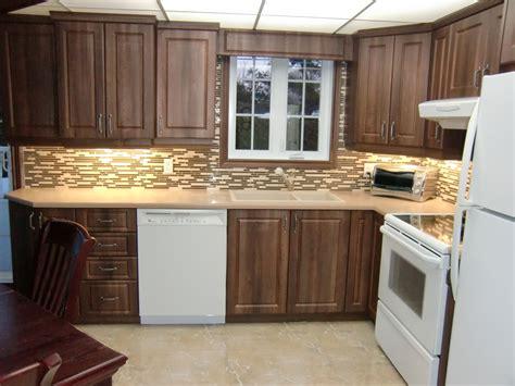 armoire de cuisine en pin a vendre armoire de cuisine classique en thermoplastique armoire