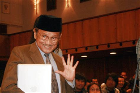 the biography of bj habibie b j habibie biography the third president of the