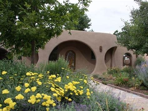 real life hobbit house 5 real life hobbit houses you can rent