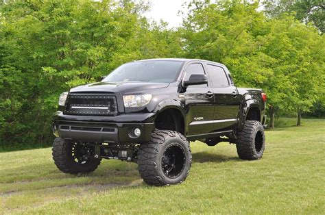 toyota truck lifted lifted toyota trucks mudding imgkid com the image