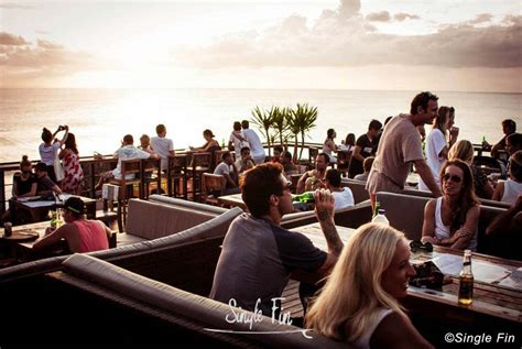 single fin bali cliff top bar  uluwatu