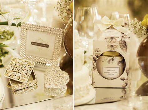 Weddingku Concierge by Ide Dekorasi Pernikahan Bertema Putih Yang Timeless