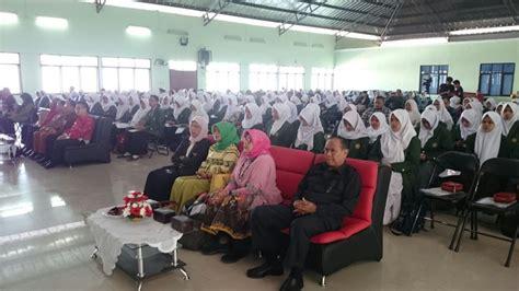 Bimbingan Konseling Drs Giyono M Pd Graha Ilmu Buku Pendidika stkip siliwangi bandung semnas pgsd stkip siliwangi meningkatkan kualitas pendidikan guru
