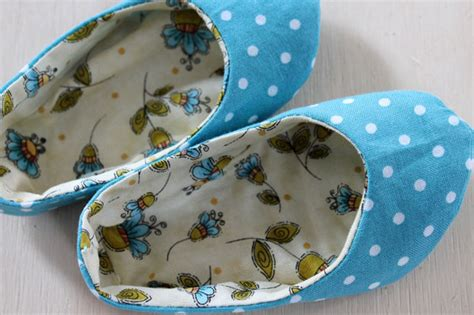 Handmade Fabric Crafts - handmade fabric baby shoes ehow crafts ehow