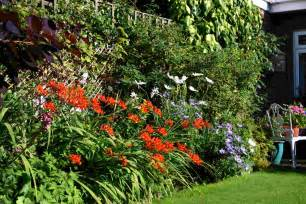 Borders For Flower Gardens Borders Words And Herbs