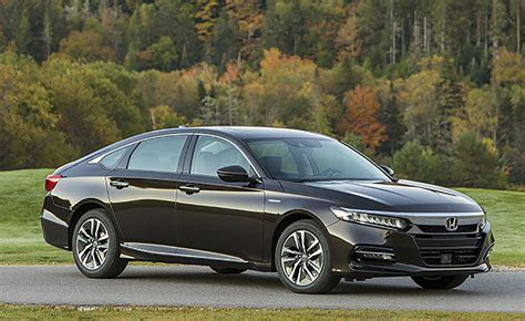 cars honda accord 2018 honda accord hybrid is more affordable than