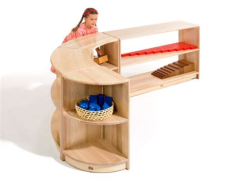 montessori bookshelves communityplaythings montessori shelving