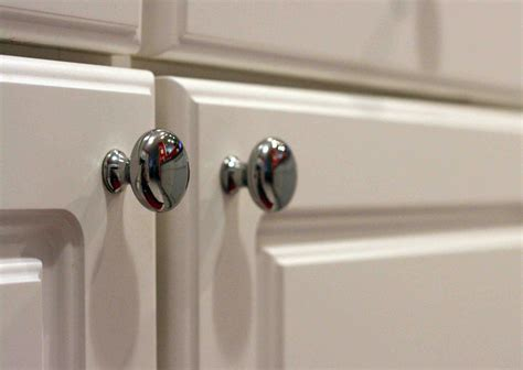 kitchen cabinet door knobs choose the best contemporary kitchen cabinet door handles