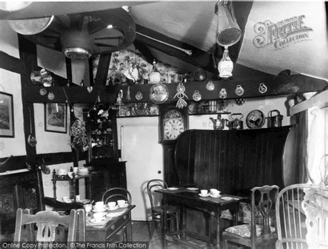 tudor tea room weobley the tudor tea room interior c 1960 francis frith