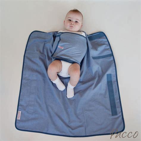 wann baby schlafen legen warum den pacco innentuch nicht lose verwenden pucken