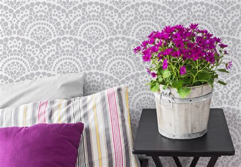 sophisticated scallop stencils paint pattern