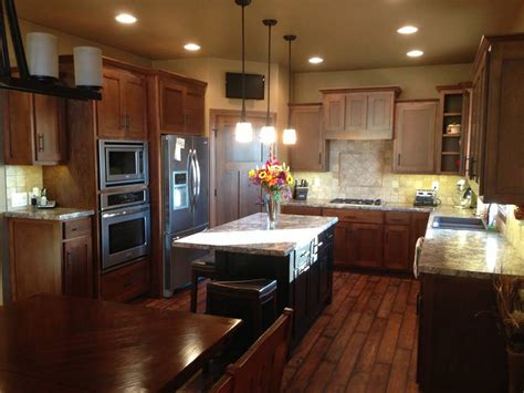 kitchen cabinets wisconsin kitchen cabinets green bay wi distinctive cabinets of