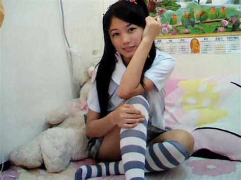 young filipina girls spread outdoors studentangel student angel asian cam girls