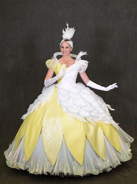 sneak peek   disney festival  fantasy parade costumes disney  day