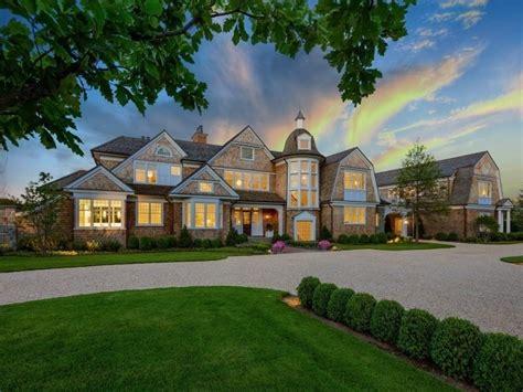 howard stern htons house southton beautiful properties
