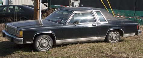 file 1987 ford ltd crown victoria 15949979894 jpg wikimedia commons file ford ltd crown victoria coup 233 jpg wikimedia commons