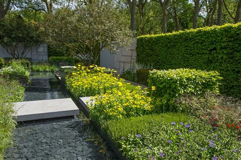 Chelsea Flower Show Gardens 10 Great Gardens At The 2015 Chelsea Flower Show Photos Architectural Digest